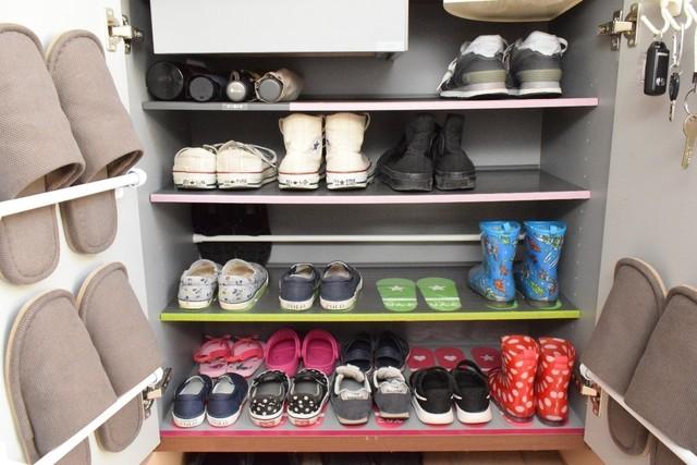 コジマジックさんのご自宅の靴箱の様子