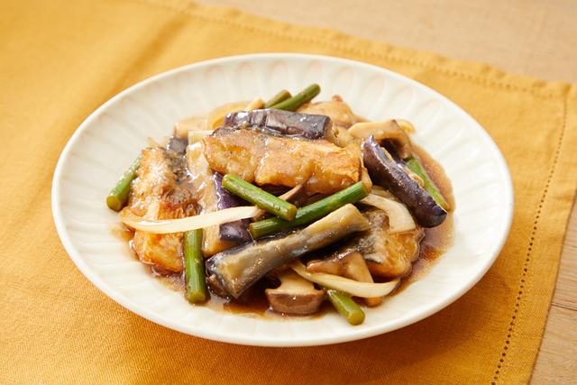 鯖となすの黒酢炒め
