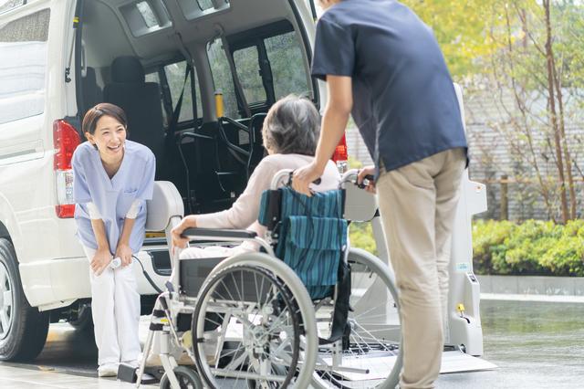 介護サービスを利用する様子