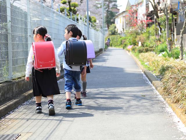 登下校中の子ども