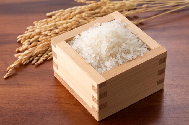 枡に入った米