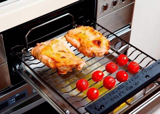 魚焼きグリルを使った鶏肉の調理例