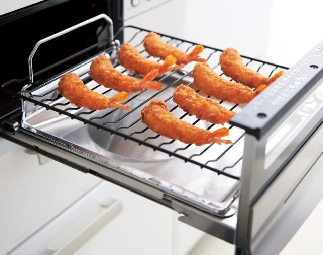 魚焼きグリルを使ったエビフライの調理例