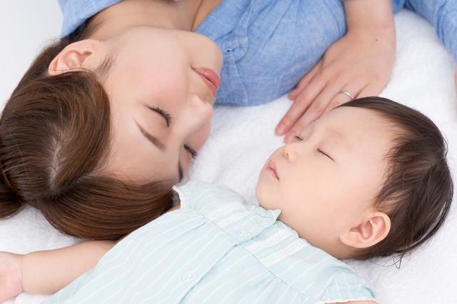 赤ちゃんの寝かしつけのコツ
