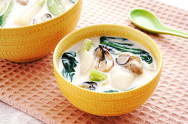 牡蠣と冬野菜のチャイニーズミルクシチュー