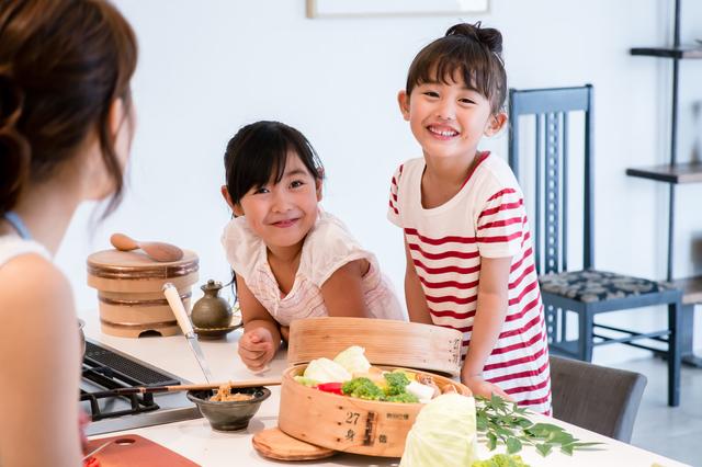 料理に興味を持つ女の子